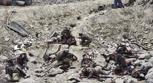 Jeff Wall - Dead Troops Talk, 229 x 417 cm, 1992